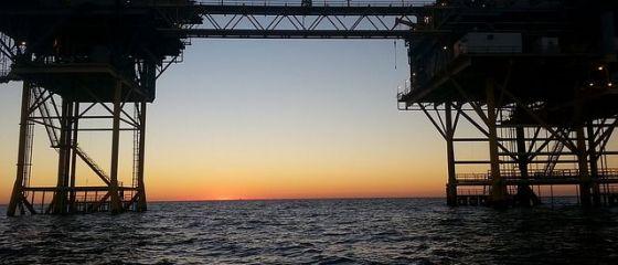 Undă verde pentru foraj în Marea Neagră. Cinci sonde vor scoate 1 mld. metri cubi de gaze/an, echivalentul a 10% din consumul României