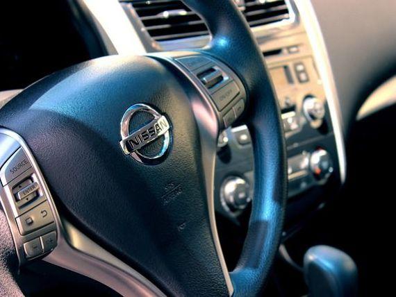 Nikkei: Nissan vrea să renunțe la motoarele diesel, pe fondul reglementărilor stricte de mediu
