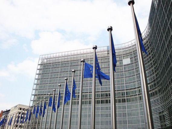 Comisia Europeană avertizează Guvernul de la București în privința cheltuielilor excesive și cere o ajustare structurală de 0,8% din PIB