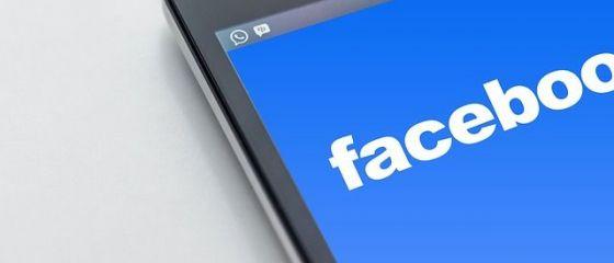 Majoritatea românilor intră pe internet pentru Facebook, Whatsapp si video-chat şi doar 8% pentru servicii bancare sau documentare