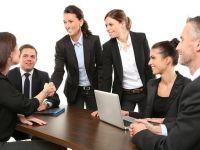 Peste 85% din companiile românești nu găsesc angajații de care au nevoie, iar recrutarea durează pană la trei luni. Specialiștii cel mai greu de găsit
