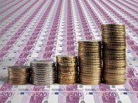 Cursul scade usor la BNR, insa euro se mentine peste 4,55 lei. Moneda unica, slabita de riscurile politice de pe continent