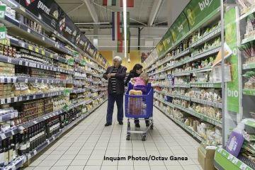 Un lanț de supermarketuri din România plafonează prețurile pentru 500 de produse, până la Paști