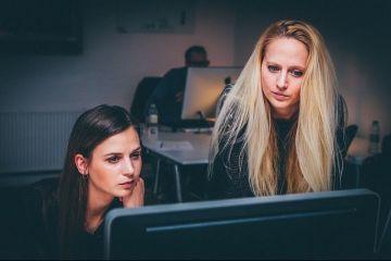 Doi din cinci angajaţi români sunt nemulţumiţi de situaţia lor profesională și vor să-și schimbe locul de muncă. 10% se gândesc să-și caute job în afara țării