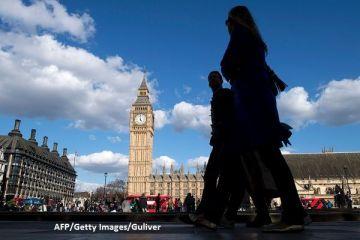 Aproape 400.000 de români vor să rămână în Marea Britanie, după Brexit. Cine primește dreptul de a locui în Regatul Unit
