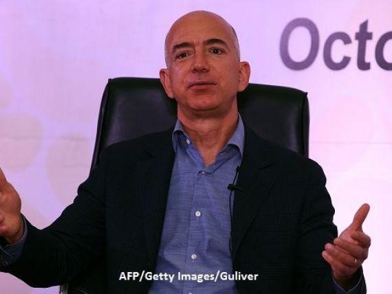 Jeff Bezos, fondatorul Amazon, a devenit cea mai bogată persoană din istorie. La cât a fost estimate cea mai mare avere din lume