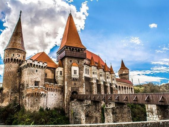 Castelul Corvinilor va fi restaurat cu 22 mil. lei din fonduri europene