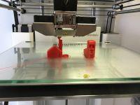 Un cercetator de la Universitatea din Brasov a realizat un motor de avion cu ajutorul unei imprimante 3D, primul prototip de acest fel din lume