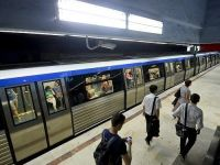 Angajații de la metrou au ieșit în stradă