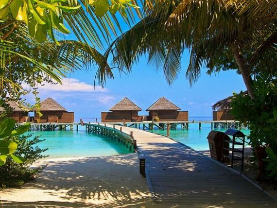 Consiliul Concurenţei a amendat 13 agenţii de turism şi ANAT cu 2,45 mil. euro, pentru înțelegeri ilegale în privința prețurilor