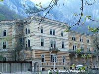 ANAF scoate la licitatie o cladire inclusa in Top 10 hoteluri bantuite. Primaria spune ca o fantoma pazeste o comoara romana