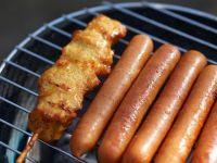 Autoritatile confirma standardele duble din industria alimentara. Ce contin parizerul si carnatii din Gemania, fata de cei vanduti in Romania