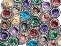 Topul producătorilor de cosmetice. Avon rămâne liderul pieţei, urmat de L'Oreal și compania care deține Nivea. Locul 4, ocupat de o firmă 100% românească