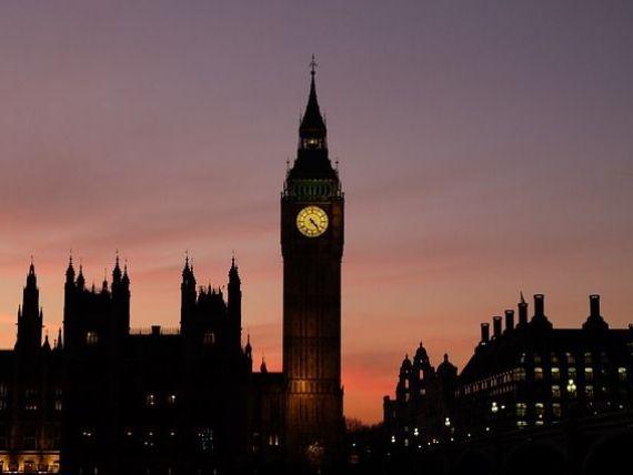 Big Ben tace pentru patru ani. Simbolul Londrei intră în renovare