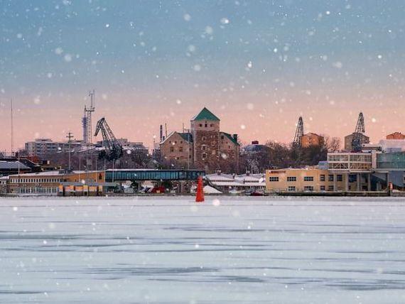 Finlandezii vor reglementări mai dure în privința imigrației, după ce un solicitant de azil marocan a omorât doi oameni cu cuțitul, în Turku