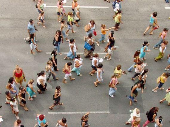 România rămâne fără locuitori. Populaţia țării a scăzut cu 122.000 de persoane anul trecut, în principal din cauza emigrației