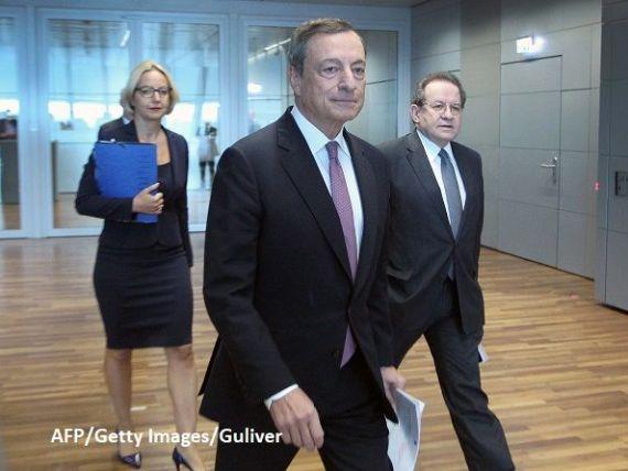 BCE a menţinut dobânda cheie şi programul de achiziţii lunare de obligațiuni. Draghi:  Aprecierea euro este un risc ce trebuie urmărit cu atenție