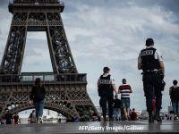 Autorităţile încep construcţia unui perete de sticlă, rezistent la gloanţe, în jurul Turnului Eiffel