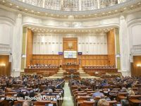 Impozitarea bacșișului și modificarea programului Prima Casă vor fi adoptate în octombrie. Ce se întâmplă cu supraimpozitarea pensiilor speciale