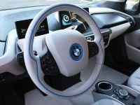 BCR lansează, în colaborare cu BMW, primul serviciu de car-sharing 100% electric din București, oferit de o bancă