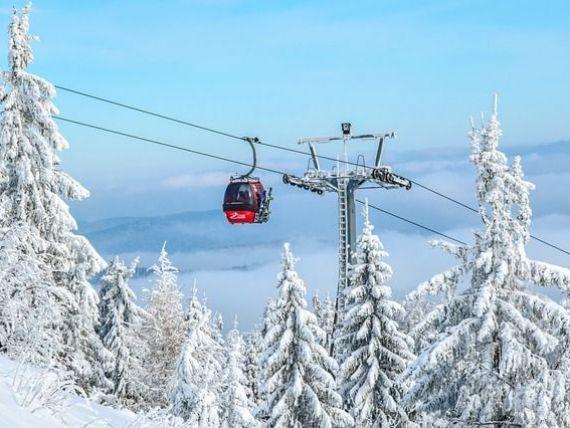 O telecabină care urcă pe cel mai înalt vârf din Alpii bavarezi doboară trei recorduri mondiale pentru un sistem de transport pe cablu
