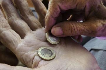 Surse: Guvernul ia în calcul creșterea punctului de pensie și a alocațiilor cu 15%