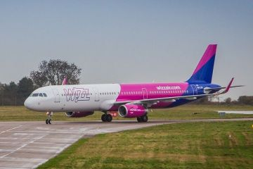 Wizz Air zboară tot mai sus. Compania low-cost şi-a îmbunătăţit estimările de profit ca urmare a creșterii numărului de pasageri