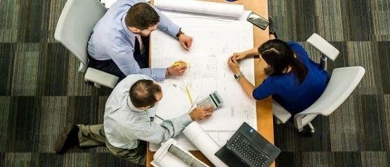 Coworking-ul, metoda micilor antreprenori de a reduce din cheltuieli. Beneficiile lucrului în comun