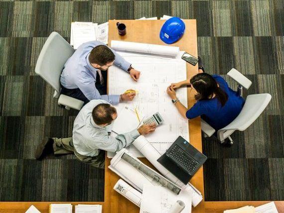Angajatorii din România cheltuiesc mai mult cu angajații. Costul total cu forţa de muncă a înregistrat cea mare creştere din UE