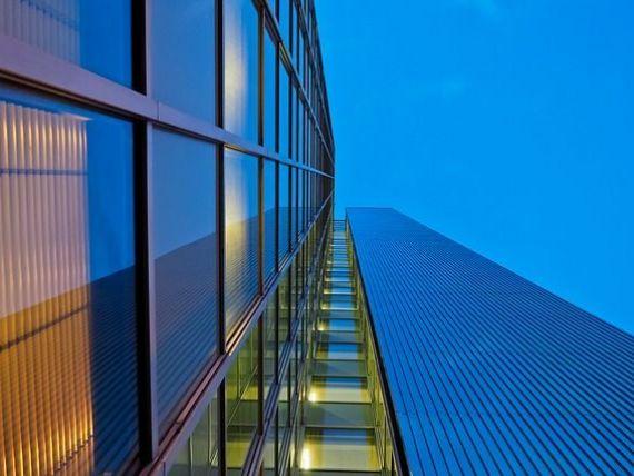 Cele mai profitabile investiții imobiliare în 2018. Românii preferă apartamentele mari în blocuri mici sau casele pe care le pot tranforma în sedii de firme