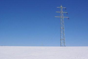 Consumul de energie al țării se apropie, luni, de recordul istoric din cauza gerului și este acoperit integral din producția internă