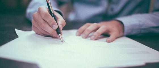 Statul se întoarce la hârtie. Guvernul a eliminat obligativitatea de transmitere exclusiv online a declarației unice