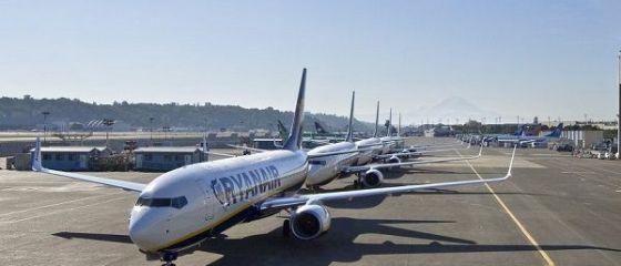 Lovitură pentru românii din Spania. Ryanair închide patru baze aeriene, ameninţând peste 500 de locuri de muncă