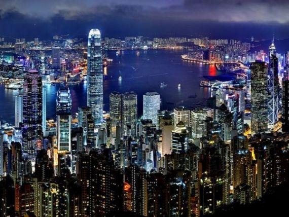 Manifestațiile de amploare și războiul comercial SUA-China au băgat Hong Kongul în recesiune, pentru prima dată după criza din 2008