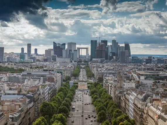 Primarul Parisului propune gratuitate pe transportul public, pentru reducerea poluării. Autoritatea de transport: bdquo;Vânzările de bilete aduc 3 mld. euro pe an. Avem nevoie de aceşti bani
