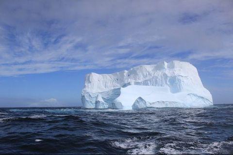 Previziunile apocaliptice ale cercetătorilor: Temperaturile din zona arctică vor creşte cu până la 10 deg;C în următorii 100 de ani.  Milioane de locuitori, forţaţi să îşi părăsească casele