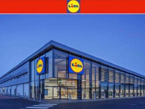 Clienții Lidl și Carrefour, vizați de o fraudă care circulă pe Facebook și WhatsApp. Cum sunt păcăliți