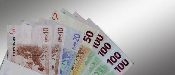 Românii vor să muncească pe bani mai mulți: peste jumătate dintre angajați vor să ceară o majorare salarială. Pentru câți bani și-ar da demisia chiar și mâine