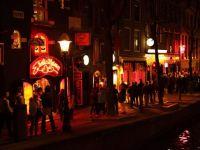 """Amsterdamul declară război turiștilor care vin să consume alcool și droguri în Olanda. Amenzi severe pentru """"petrecăreți"""""""