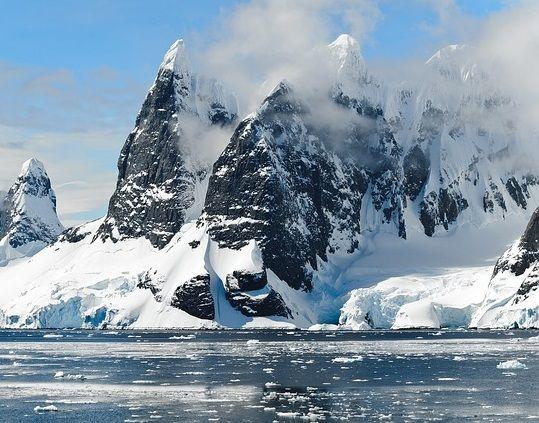Brazilia a revenit în forţă în Antarctica.  Ce vor să facă sud-americanii pe baza de 100 mil. dolari construită la Polul Sud