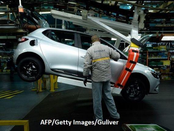 Proprietarul Dacia  se luptă să supravieţuiască.  Renault vrea să închidă uzine și negociază un împrumut garantat de stat de 5 mld. euro