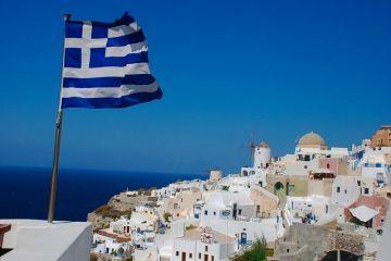 Grecia vrea să negocieze noi ţinte fiscale cu creditorii din zona euro, după ce pandemia a împins ponderea datoriei publice la aproape 200% din PIB