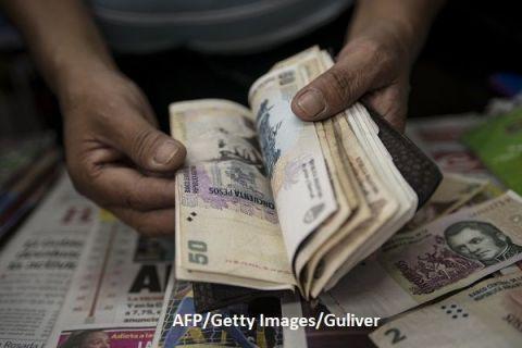Odinioară una dintre cele mai bogate ţări din lume, Argentina a intrat în al nouălea faliment din istorie, după doi ani de recesiune. Acordul încheiat cu creditorii