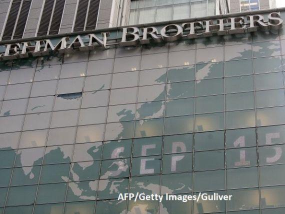 Zece ani de la prăbușirea Lehman Brothers și omenirea nu a învățat nimic:  Sistemul financiar mondial este la fel de vulnerabil ca în 2007-2008.  Semnele care anunțau criza, detectate cu un an înainte
