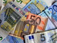 Euro mai face un pas către 4,66 lei