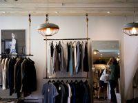 Încă un gigant de modă, prezent și în România, intră în faliment. Lista firmelor care nu pot face față concurenței online, în creștere