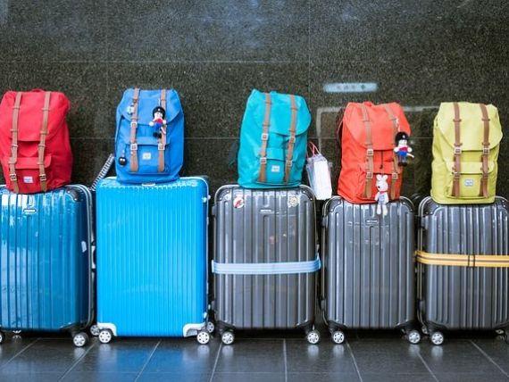 Politica de bagaje de la Ryanair, în instanță. Tribunalul a dat câștig de cauză unui pasager taxat în plus pentru o valiză