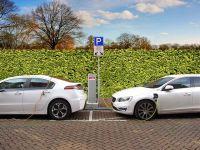 """Guvernul schimbă programul """"Prima Mașină"""". Ce facilități vor avea cei care vor să-și cumpere mașini electrice sau hibride"""