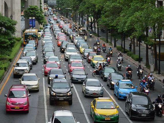 Guvernul nu a găsit încă formula pentru noua taxă auto. Gavrilescu:  Trebuie să facem calculele în aşa fel încât să nu plângem după aceea de zeci de milioane de euro