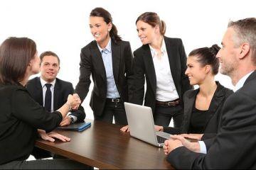 Angajații fac legea pe piața muncii. Ce beneficii cer angajatorilor pentru a nu părăsi compania